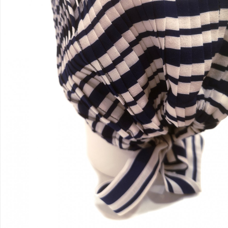 Mousseline blue and white turban
